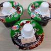 コーヒーゼリー3個入りパック。スーパーにおけるおすすめの三連デザート。安いしうまい。かけるよ、クリームシロップ。どうして食べたくなるのか