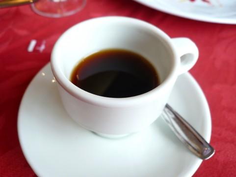 コーヒー飲みすぎて健康に悪い?適量知ろうと、飲む量(カフェイン)を減らした話。ミルクも砂糖もいれないブラック